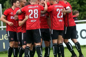 SV Goeppingen - FV Ravensburg 1. Jubel in Goeppingen - Mergim Neziri hat das 1 - 0 erzielt